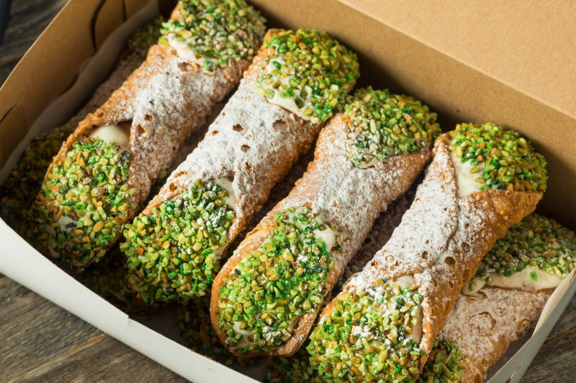 Cannolo: Traditional Homemade Sicilian Cannolis